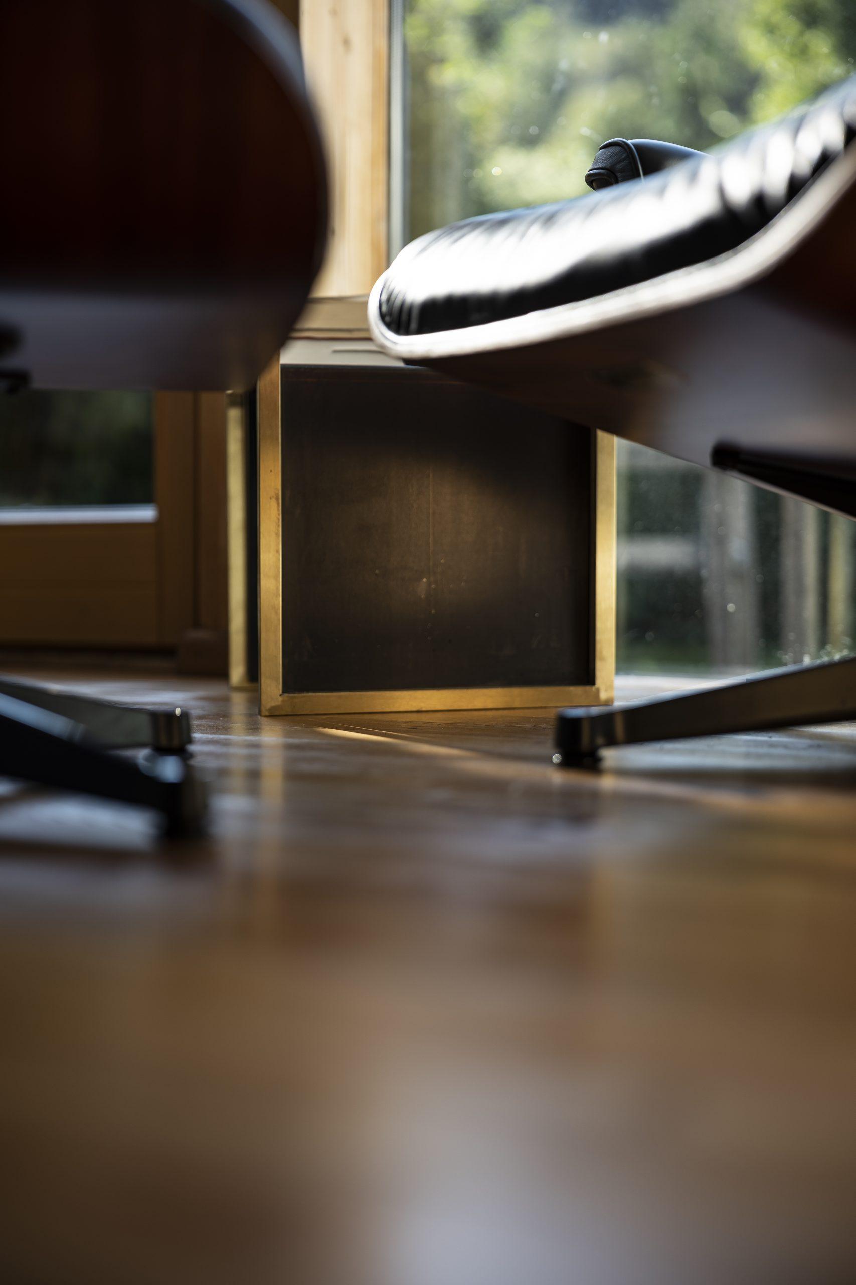 Beistelltisch Seite der Möbelschlosserei VINDU Stylez