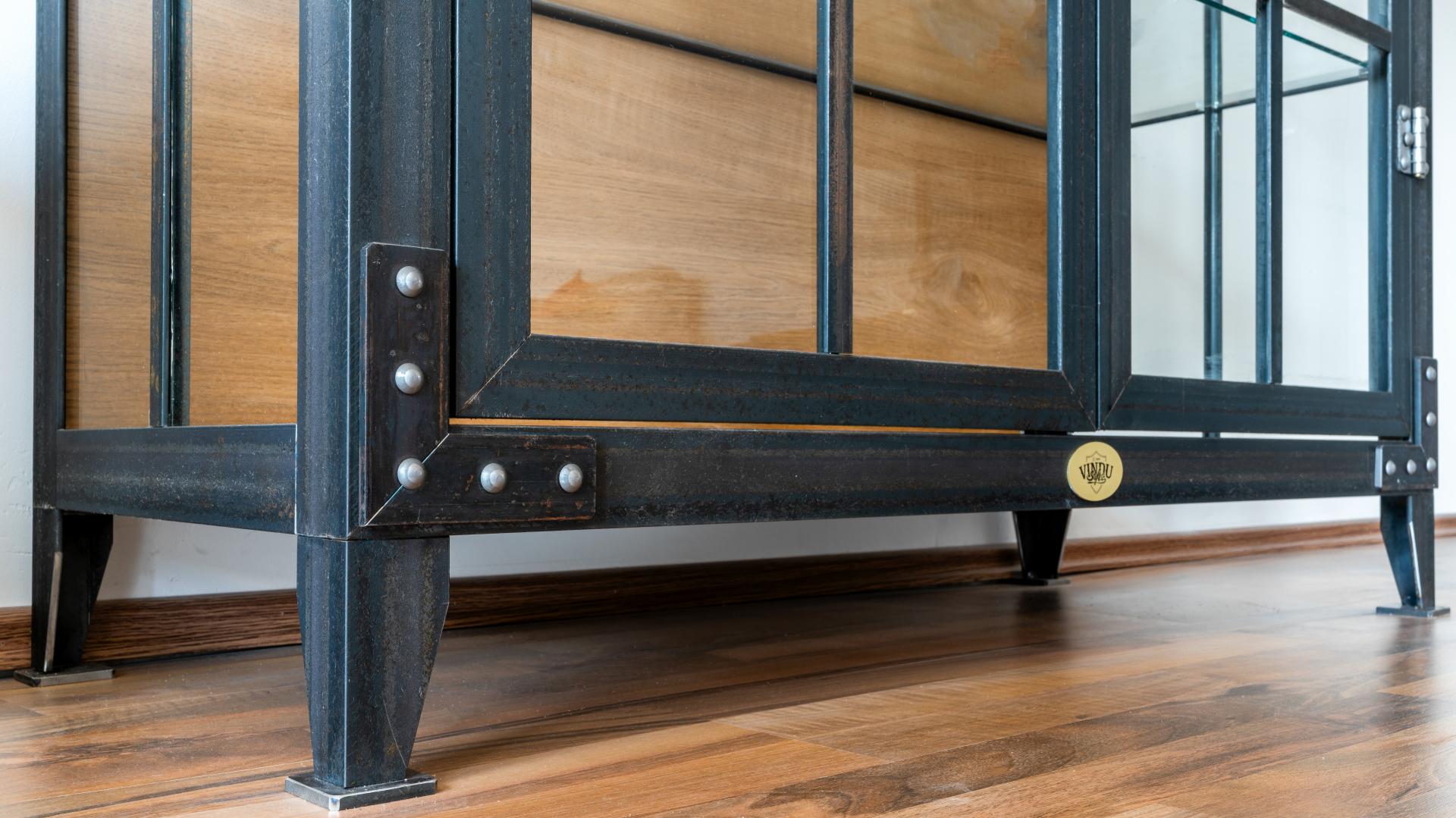 Kommode Unten der Möbelschlosserei VINDU Stylez