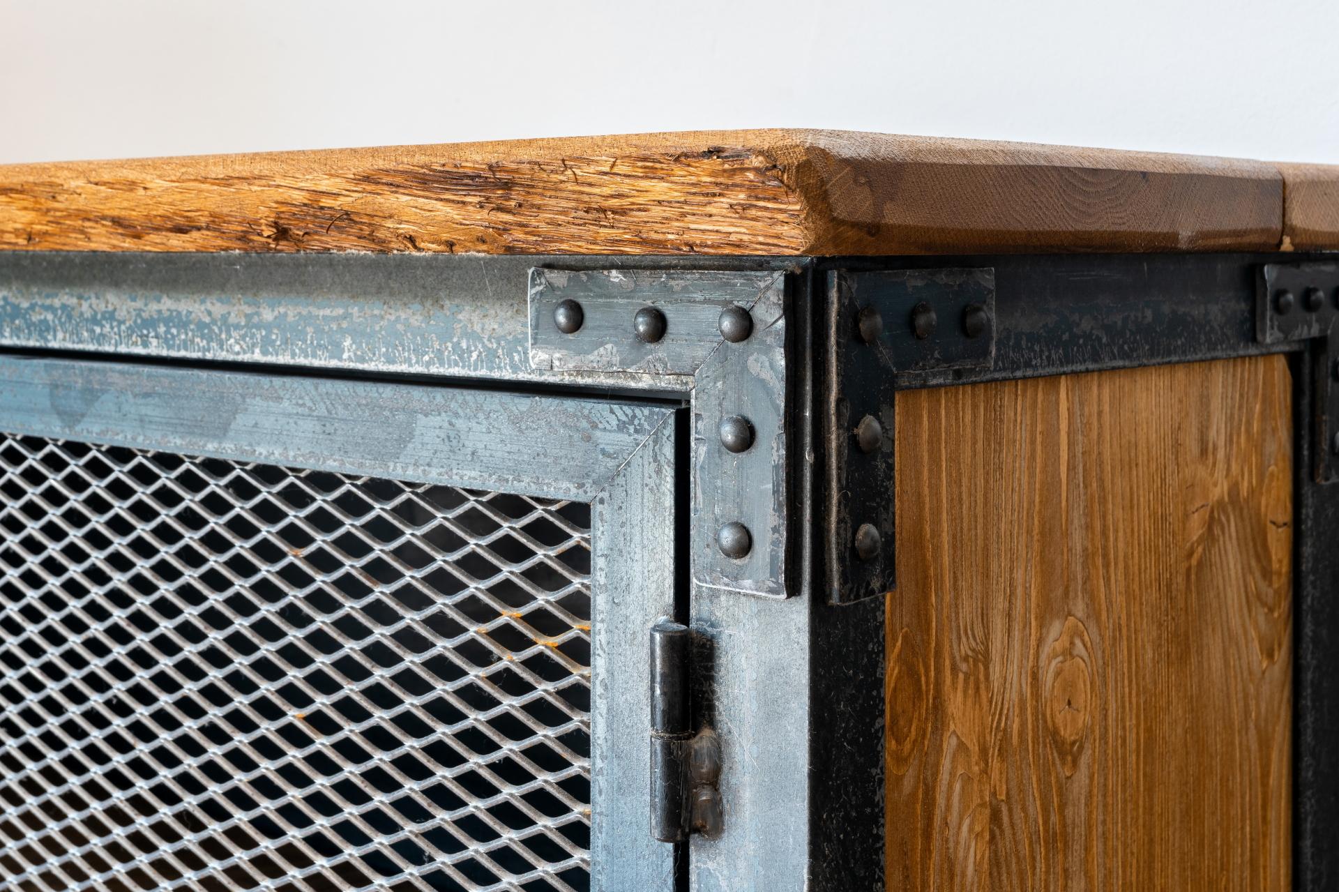 Kommode Ecke Detail der Möbelschlosserei VINDU Stylez