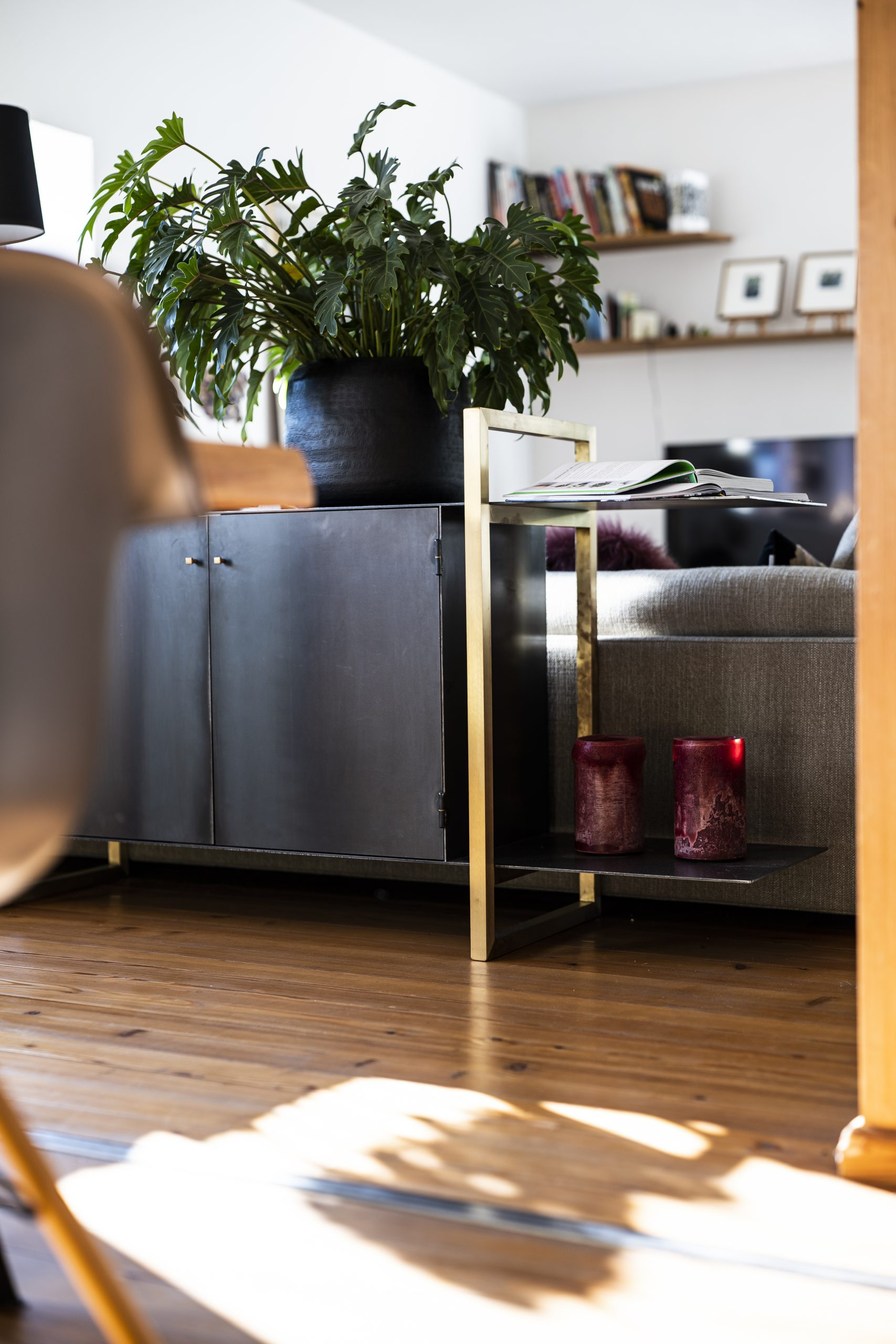 Kommode Seite der Möbelschlosserei VINDU Stylez