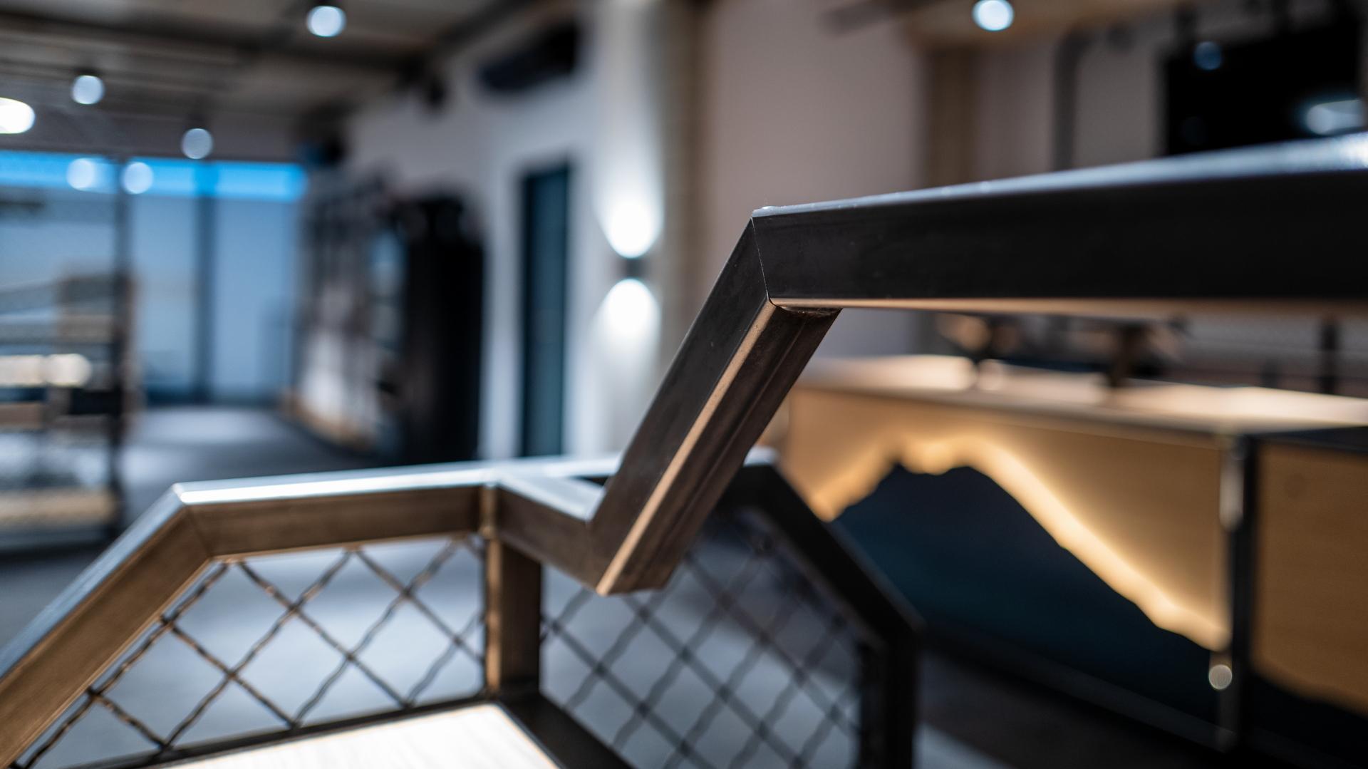 Ladenbauelement Detail der Möbelschlosserei VINDU Stylez