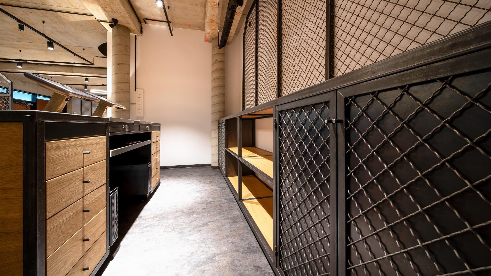 Rezeption Rückwand der Möbelschlosserei VINDU Stylez