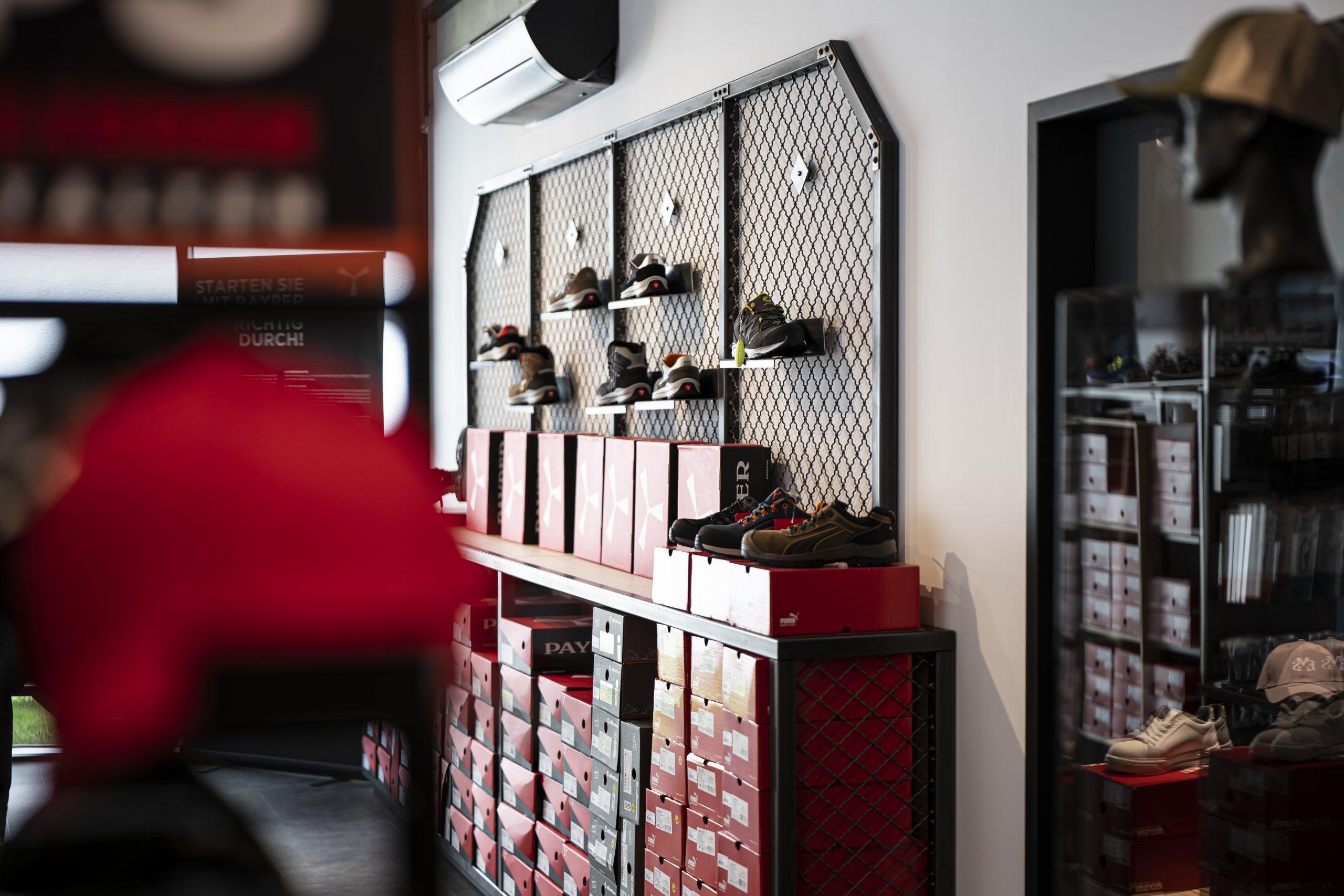Schuhregal Seite der Möbelschlosserei VINDU Stylez